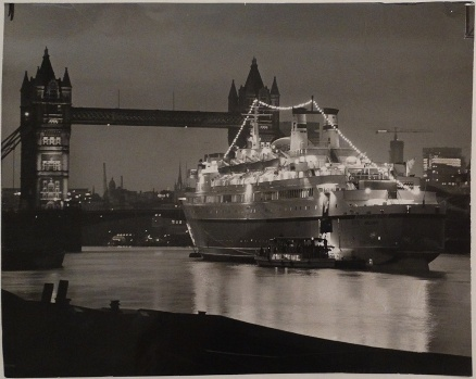 Press Photo, Daily Telegraph - Finnpartner In London - Nighttime - 101068 - Front