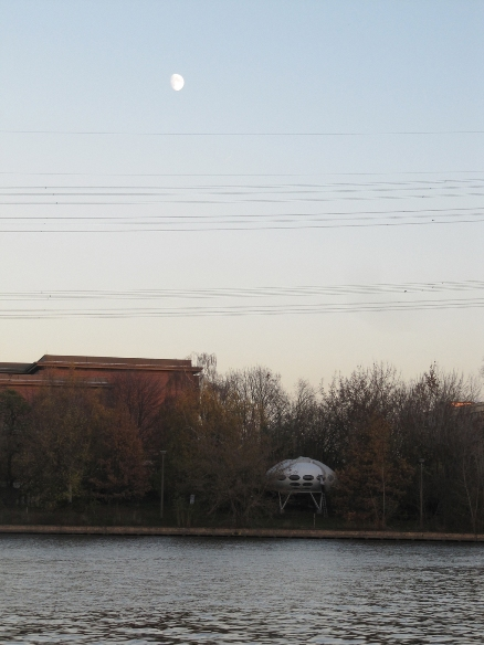 Futuro, Berlin, Germany - Achin Breiling 111313 5