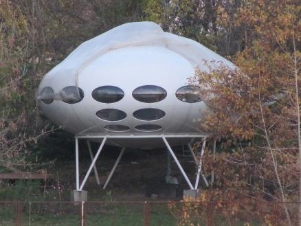 Futuro, Berlin, Germany - Achin Breiling 111313 4