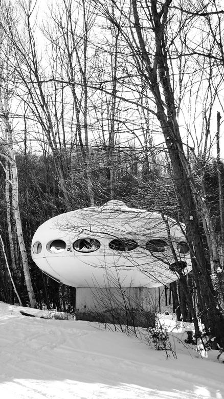 Futuro - Mont Blanc, Quebec, Canada - Biensur atelier - 010509 - 1