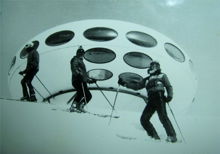 Dombai Futuro - Date Unknown - Three Skiers - carmelist