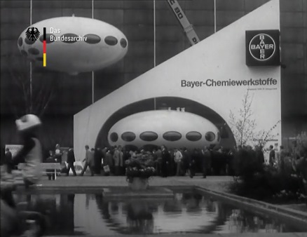Bayer Futuros - Hanover Fair 1969 - Video Still - filmothek.bundesarchiv.de