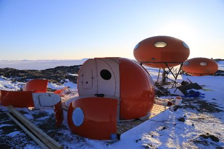 Futuro, Googie, Bechervaise Island, Antarctica - By John Burgess Aug/Sept 2015 - 2