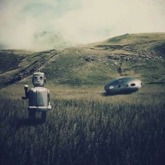 Robot & Frisco Futuro